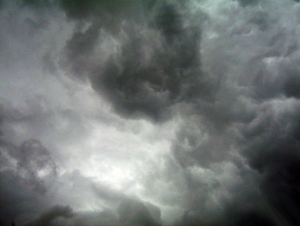 dark-clouds-1300649916c9J