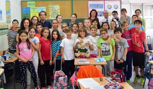 Una experta en bilingüismo visita un colegio lorquino para conocer su proyecto Erasmus