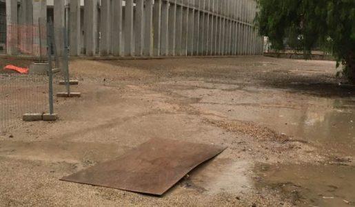 Cuatro pistas deportivas con gradas para el patio del Ros Giner y el Ibáñez Martín